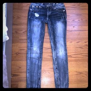 Adorable Miss Me jeans size 26 inseam 29